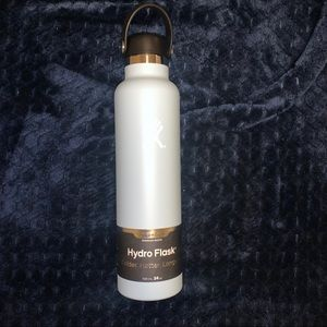 NEW HydroFlask 24 oz Light Blue Standard Mouth